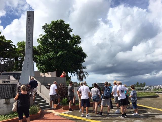 ヨーロッパから来沖、沖縄の戦跡巡りツアー。